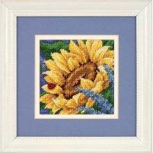 D17066 - Dimensions Mini Needlepoint - Sunflower and Ladybug