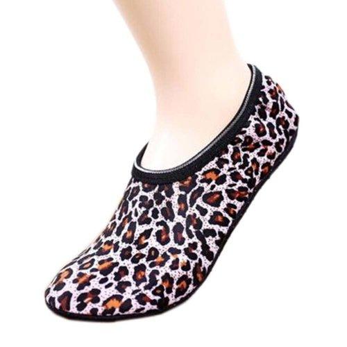 2 Pairs Dark Leopard Pattern Travel Yoga Socks Thick Women Socks Exercise Sock